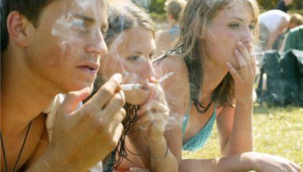 Депутат предложил наказывать беременных за табак и алкоголь